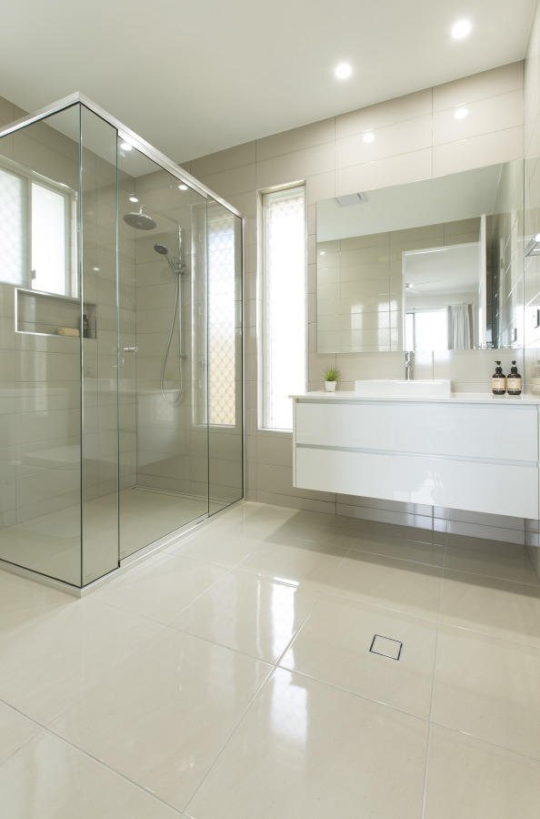 Polished floor tiles - Bauer Constructions Home